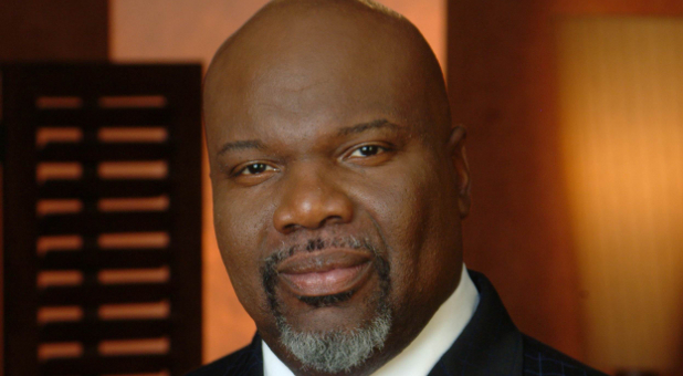 T D  Jakes: Press Toward Your Miracle — Charisma Magazine