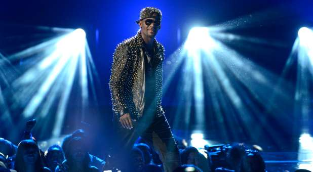 Why Did We Listen to R  Kelly, Anyway? — Charisma Magazine